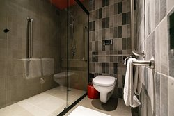 Banheiro apartamento reformado.