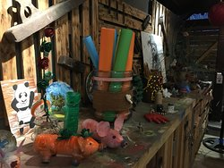 junk art galerry
