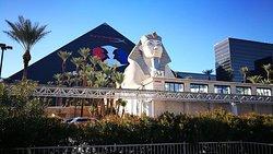 Foto 2 .- Luxor Hotel & Casinò