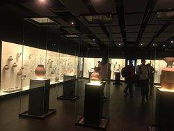 Exposición de distintas piezas de las sociedades prehispánicas