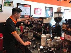 Dịch vụ chăm sóc và bảo trì máy pha cà phê của E-COFFEE Việt Nam