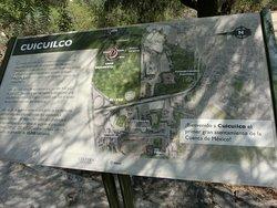 入口付近の地図