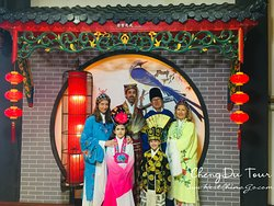 SiChuan Opera Show:costume experience