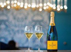 Champagne - BB Blanche - Pigalle - Paris 9