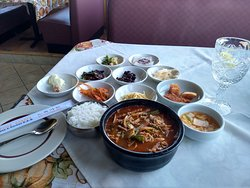 Lunch special:  Yookgaejang and side dishes