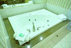 Carriage Ridge One Bedroom Suite double Jacuzzi tub