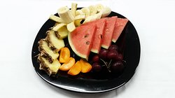 Fruit salad for 4, fresh and tempting local and exotic fruits to finish your meal