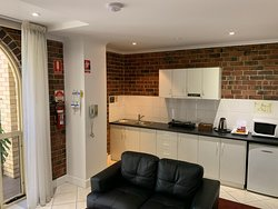 Suite 40 - one bedroom suite with kitchenette