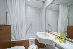 Bathroom Double room