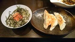博多セット(餃子3個+明太ご飯)