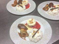 Assiette gourmande  supplément 3€ avec dessert du moment (vacherin lait de brebis vanille caramel,quenelle chocolat,financier pommes caramélisées,framboisier)