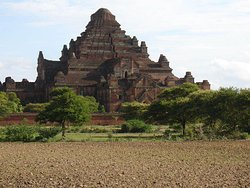 Biggest or massive temple in Bagan.