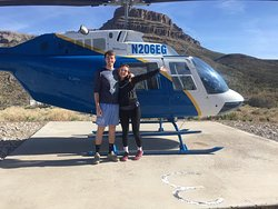 Grand Canyon West helicopter flights - our friends from NC