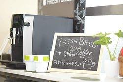 町田コンディショニングジム健介 ジム内トレーニング風景  コーヒーも販売中。
