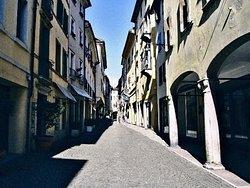 Via Mezzaterra