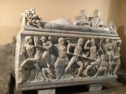 Sarcofagus with Calydonian boar hunt.