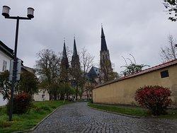 Katedrála okolí