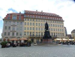 Friedrich August II Monument