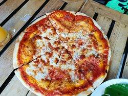 ピザ専用オーブンあり