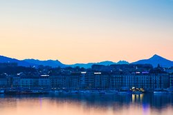 Excellent view of Lake Geneva (Petite Lac). Very conveniently located