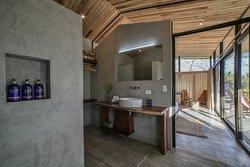 Villa Kawai bathroom