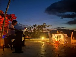 Sunset Dinner 3 - with resident pianist Angelo