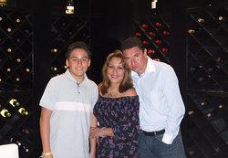 Mi amado hijo y mi hermosa esposa; juntos celebrando nuestro aniversario en La Cava del Restaurante Le Olive