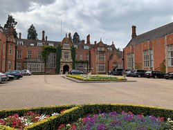 Excellent Getaway - the Gardens and Grounds are the real attractions