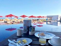 Breakfast Poolside!