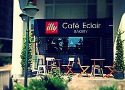 Cafe Eclair