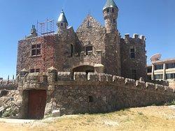 Castillo Douglas