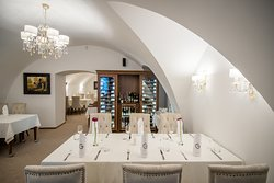 GLOBO Restaurant & Wine Bar