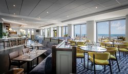 All-day dining at Shoreline Brasserie