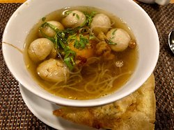 Bakso (Indonesian Meatball and Noodle Soup)