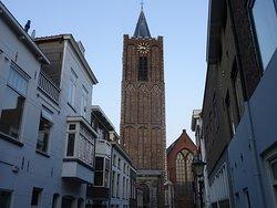 De 14de eeuwse Sint Janskerk Schiedam uit 1335