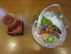 絶品ビリビリ清水サバと日本酒(藤娘)