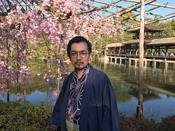 Heian Shrine has a different types of Sakura inside and outside the Shrine. It's worth it to come here if you are a Sakura Haunter! I would definitely come here next time.