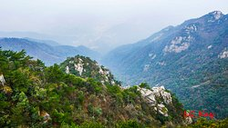 Jinxiu Valley of Lushan Mountain