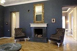 Общая гостиная с камином
