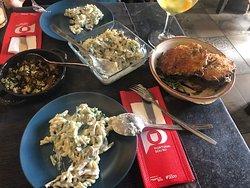 Pasta con espinacas, champiñones y nata Bacalao con bechamel en champiñones