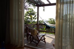 Junior suite w/partial ocean view