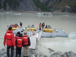 Boarding boats