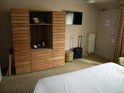 Mooie kamer, niet het gemiddelde standaarmeubilair.