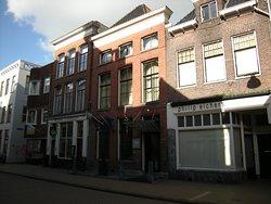 Karakteristiek hotel in het centrum van Groningen