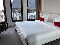 hotel di design, centrale, ampie finestre, staff cordiale
