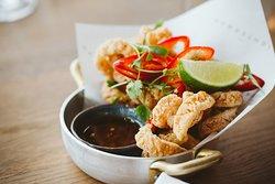 Crispy squid, chilli & lime