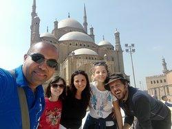 davanti la moschea di Mohamed Ali