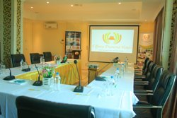 2 conference halls Fully fitted with audio vision systems  ,