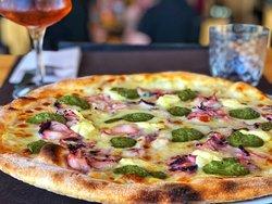 Our Gourmet Pizza Polipo E Pesto
