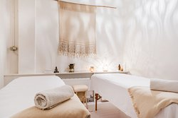 Duo Yin Room for couple massage.